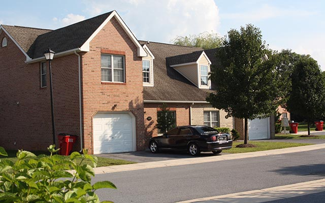 Rosewood village townhomes washco management for Rosewood home builders